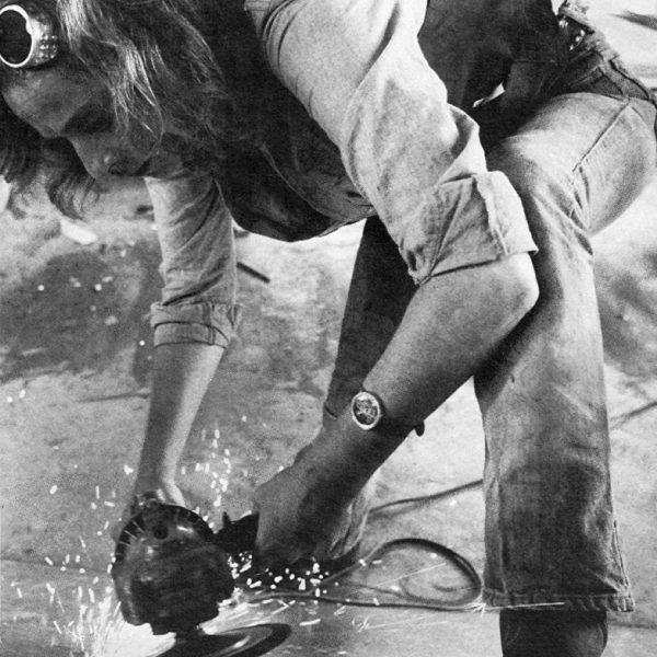 Beverly Pepper l'artista al lavoro